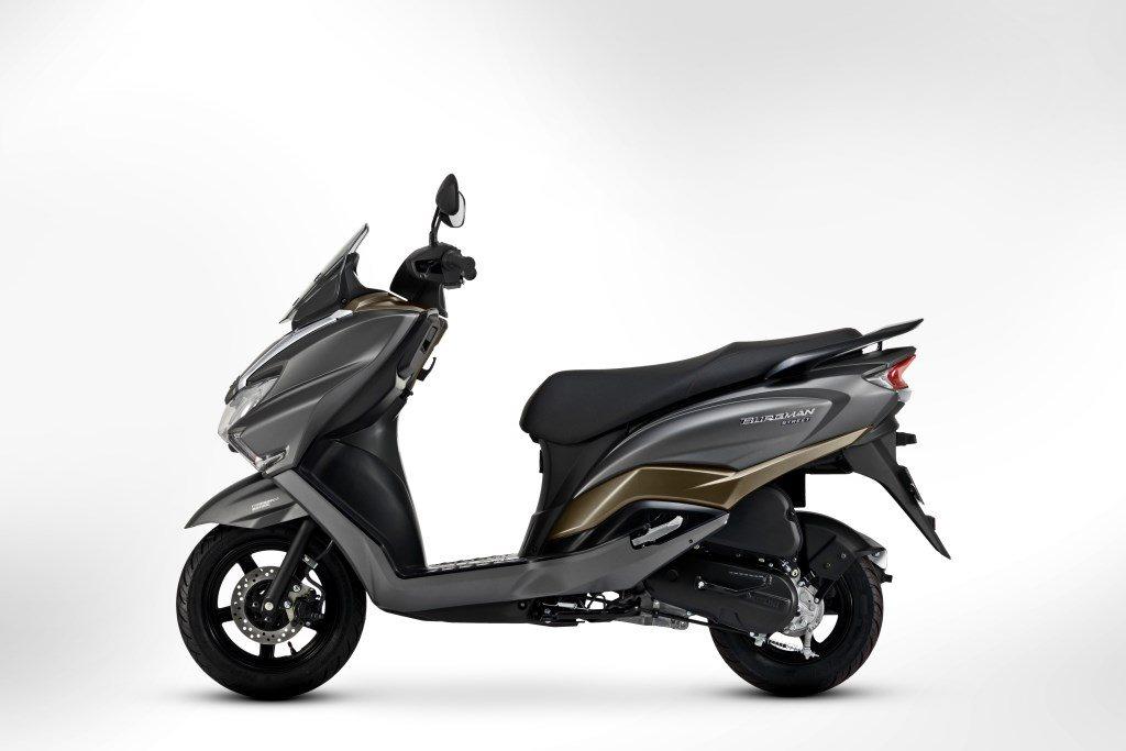Motorcycle USB Charger Compass For Suzuki GSXR 600 750 1000 Hayabusa